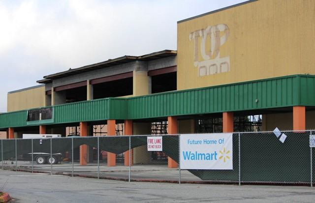 Wal Mart Finally Pulls Trigger On Everett Mall Location Olive Garden Moving