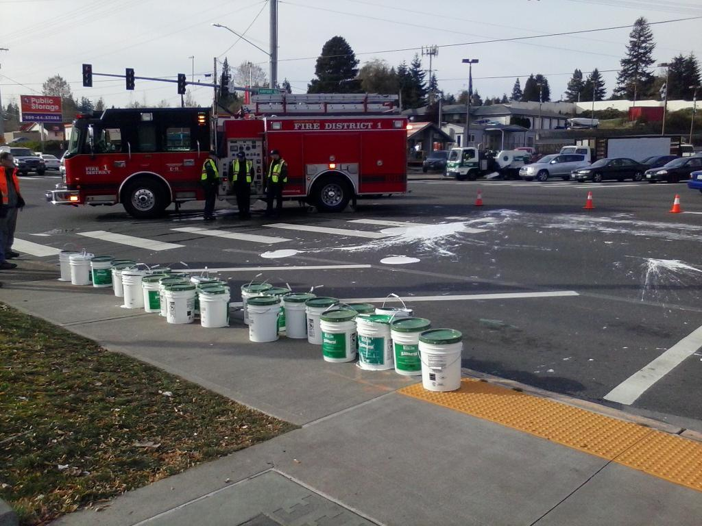 Paint Spill Shuts Down Highway 99 At Airport Road | MYEVERETTNEWS com